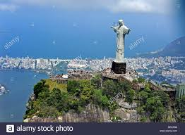 Cristo Redentore statua sul monte Corcovado a Rio de Janeiro in Brasile  Foto stock - Alamy