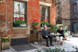 A Shoehorn Helps Glenn Coleman And Vicki Behm Say Their - New york apartments outside