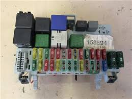 opel vx astra f mk3 1 6 16v petrol complete fuse box relays opel vx astra f mk3 1 6 16v petrol complete fuse box relays fuses