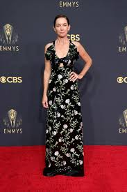 The 73rd emmy awards, hosted by cedric the entertainer, are airing live on cbs. Sxobuswwanr3om