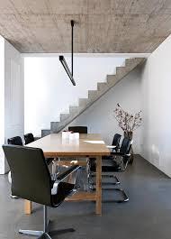 Treppen sind eine praktische erfindung, denn sie ermöglichen nicht nur sicher höhenunterschiede zu überwinden, sondern sie verbinden auch einzelne die premiumtreppe verleiht ihrem haus einen gewissen charme, da sie mit ihrer weitläufigen ausgestaltung an die prachtvollen treppenaufgänge. Treppen Treppengelander Aus Holz Stahl Beton Schoner Wohnen
