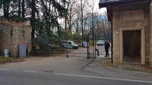 E' morto il giardiniere precipitato nella villa di Berlusconi - Prima Monza