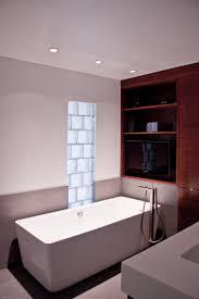 b w bathroom 2016