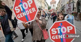 """Sejm zajmie się ustawą """"Tak dla rodziny, nie dla gender"""". Kościół chce  wypowiedzenia konwencji antyprzemocowej"""