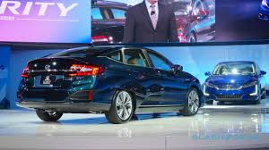 2018 honda ev. fine 2018 indeed honda says the clarity phev will be good enough for more than 330  miles on a full battery and tank of gas the gas engine itself uses  for 2018 honda ev e