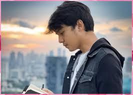 Umur 26 tahun) adalah aktor dan model berkebangsaan indonesia yang dikenal karena perannya sebagai roman di sinetron roman picisan the series dan beben di sinetron tukang ojek pengkolan Ustad Milenial Wetv Iflix Pemain Biodata Profil Agama Umur Pemeran Dan Lainya Diary Populer