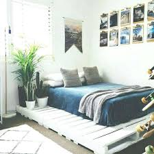 simple bedroom decor diy easy bedroom decorating ideas cool design regarding stylish as well as interesting easy bedroom decorating ideas pertaining to