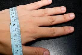 Как правильно определить <b>размер перчаток</b>?