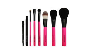 if you ve always wanted the effortless yet rosy plexion of stylenanda s park sora this is your ticket seven tiny yet essential brushes