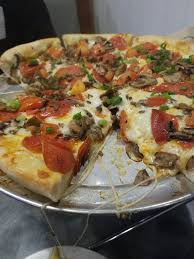 photo of round table pizza kailua hi united states yummmmmmm worth the