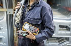 Industrial Electrician Salary What Is An Apprentice Electricians Salary Chron Com
