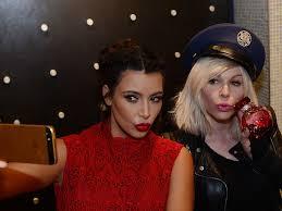 makeup artist joyce bonelli denies being fired by the kardashians lead