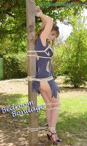 Free outdoor bondage pictures