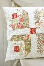 Tutorial for this beautiful quilted pillow | quilts, tutorials and ... & Quilted Pillow Cover - 18