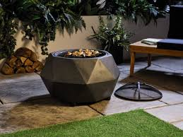 aldi are ing a fire pit barbecue for less than 50 just in time for the bank holiday weekend