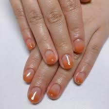 オレンジのカラーグラデーション 夏らしくて可愛いです