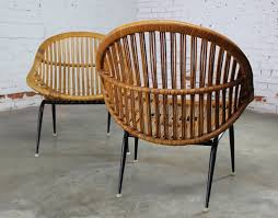 T Pair Of Mid Century Modern Rattan Wicker Basket Chairs By Troy Sunshade  Company