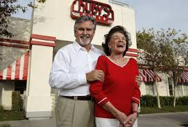 Ruby's marks 3 decades of burgers - Los Angeles Times