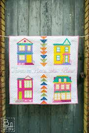 Quilt Inspiration: Free pattern day! House quilts & Houses Mini Quilt Along, free Victorian house patterns by Karolina Bąkowska  at B Craft Adamdwight.com
