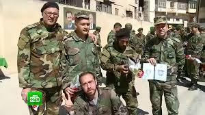 Сирийские военные получили дипломы саперов костюмы защиты и  Сирийские военные получили дипломы саперов костюмы защиты и миноискатели