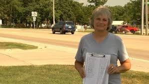 Linn woman starts petition for street light to be put at ...