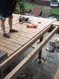 Terrasse Auf Stelzen Haussanierung Holzterrasse Selber Bauen Kosten