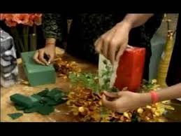 How to Make Christmas Flower Arrangements : How to Put Ivy on a Christmas  Candle - YouTube