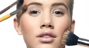 eny reports on what it takes to bee a successful makeup artist in the beauty industry