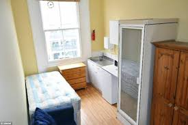 Great Shower Room: This Tiny Flat, Which Is Being Rented Out For £605 Per