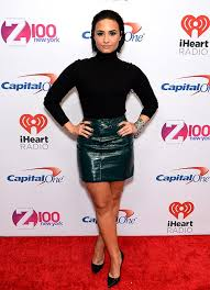 view gallery demi lovato has revealed why she avoids make up tutorials