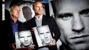 a beautiful mind dennis bergkamp s perfect moment premier dennis bergkamp and johan cruyff