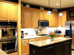cleaning grease off kitchen cabinets what to clean grease off kitchen cabinets clean grease kitchen cabinets