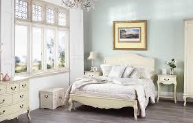 ... Chic Bedroom Furniture ...
