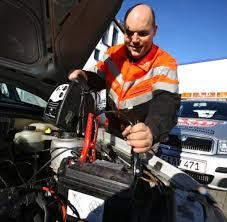 Technik Selbst Ein Geparktes Auto Verbraucht Noch Strom Welt