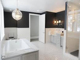 black and white master bathroom with