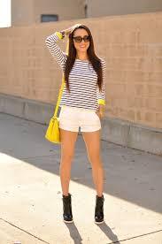 Yup. Stripes again! Love it! Fluro Neon Yellow shoulder bag and cuffs.