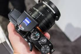 sony rx1. there are plenty of manual controls accessible on the rx1, including exposure compensation dial in easy reach your right thumb while shooting. sony rx1 .