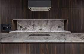 Eles podem ser encontrados em diversos cômodos de uma casa, tais como cozinha, banheiro. Nicho De Granito Praticidade E Organizacao Westwing