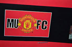 Amazon.com : Manchester United FC MUFC Flag : Soccer Equipment : Sports &  Outdoors