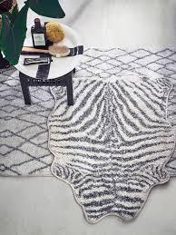 zebra bath mat black white