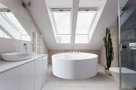 soaking bathtubs for small bathrooms