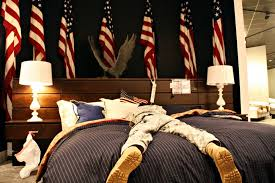 Good Texas Army National Guard Soldiers Rest In A Gallery Furniture Store, In  Katy, Texas