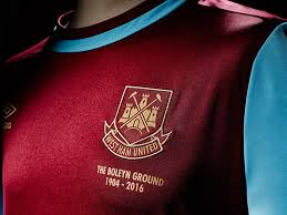 Stadium, arena & sports venue in london, united kingdom. West Ham 2015 16 Shirt Revealed Hammers Fans Love The New Boleyn Kit So Much They Broke The Club S Official Website The Independent The Independent