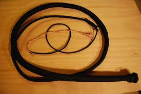 picture of paracord bullwhip picture of paracord bullwhip