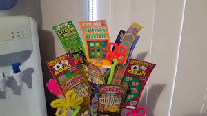 easy diy lottery ticket bouquet inspired learn how
