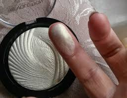 makeup revolution baked highlighter in golden lights vegan free makeup