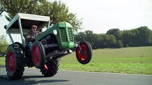 В Германии устроили <b>дрифт</b> на заряженном <b>тракторе</b> (видео ...