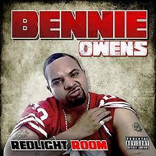 Redlight Room [Explicit] by Bennie Owens on Amazon Music - Amazon.com