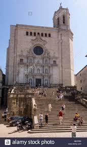 Finden sie neuigkeiten von deutschlands treppenanbietern. Touristen Auf Der Treppe Zu La Catedral De Girona Kathedrale Von Girona Katalonien Spanien Stockfotografie Alamy