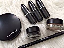 as some of you may know mac cosmetics was the first brand i used when i started out with makeup mainly because my mom uses it so it was a brand i